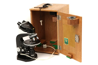 Lot 31 - A Nikon Binocular Microscope