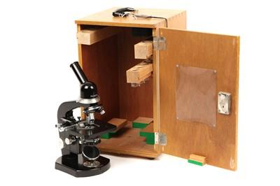 Lot 33 - A Nikon Student's Microscope