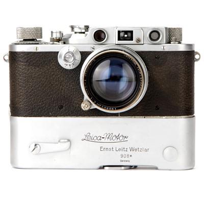 Lot 10 - A Leica IIIb Rangefinder Camera