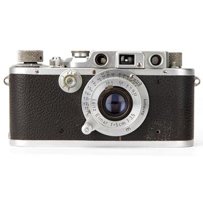 Lot 11 - A Leica IIIB Rangefinder Camera