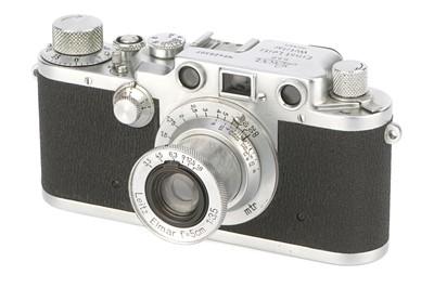 Lot 16 - A Leica IIIc 'Sharkskin' Rangefinder Camera
