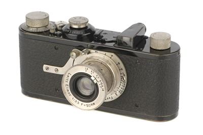 Lot 2 - A Leica Ia Close Focus Camera