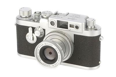 Lot 22 - A Leica IIIg Rangefinder Camera