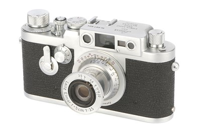 Lot 23 - A Leica IIIg Rangefinder Camera
