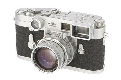 Lot 43-A Leica M3 DS Rangefinder Camera