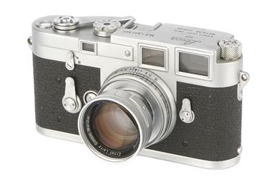 Lot 44 - A Leica M3 SS Rangefinder Camera
