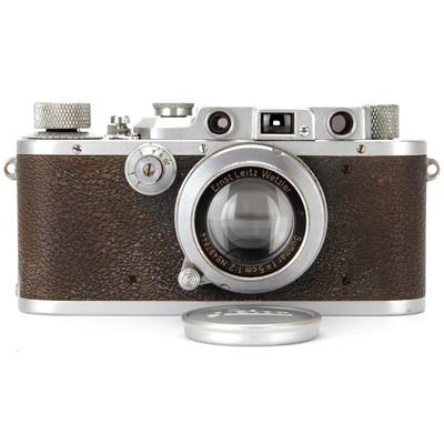 Lot 2 - A Leica IIIa Rangefinder Camera