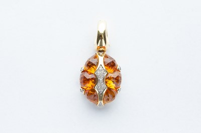 Lot 17 - A 18ct Yellow Gold Citrine & Diamond Pendant