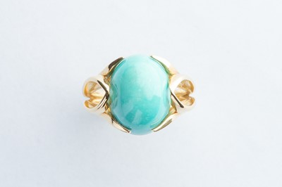 Lot 22 - A 18ct Yellow Gold Cabochon Oval Turquoise Ring