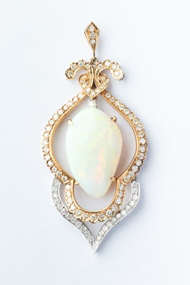 Lot 30 - A 18ct Yellow & White Gold Opal & Diamond Pendant