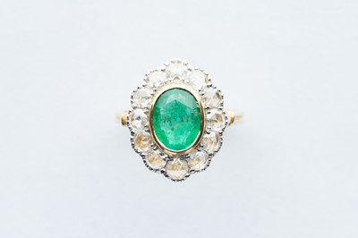 Lot 31 - A 18ct Yellow Gold Emerald & Diamond Ring