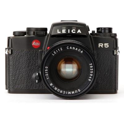 Lot 32 - A Leica R5 SLR Camera