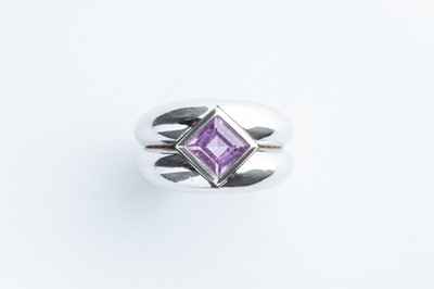 Lot 44 - An Asprey & Garrard 18ct White Gold & Amethyst Ring
