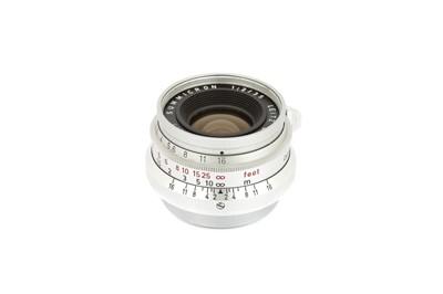 Lot 16 - A Leitz Summicron f/2 35mm Lens