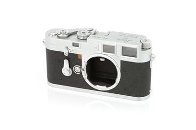 Lot 29 - A Leica M3 DS Rangefinder Body