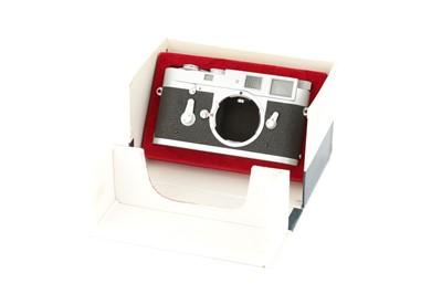 Lot 33 - A Leica M2 Rangefinder Body