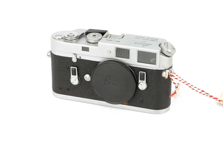 Lot 35 - A Leica M4 'Attrappe' Rangefinder Body