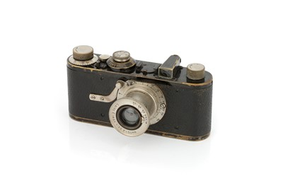 Lot 1 - A Leica I Model A Elmax Camera