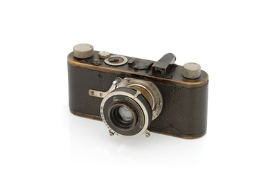 Lot 2 - A Leica Ib Compur Camera