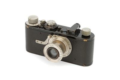 Lot 4A - A Leica Ia Close Focus Camera