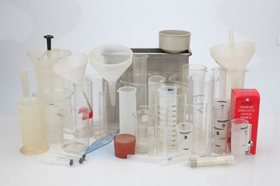 Lot 17 - A Large Selection of Mixed Labware