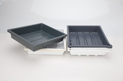 "Lot 30 - 5 Developing Trays - 8"" x 10"""