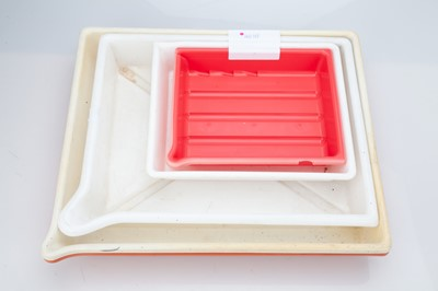 Lot 31 - 5 Mixed Size Developing Trays