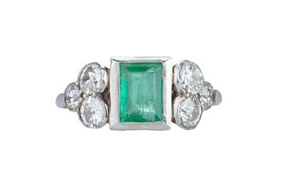 Lot 9 - An Art Deco emerald and diamond ring.