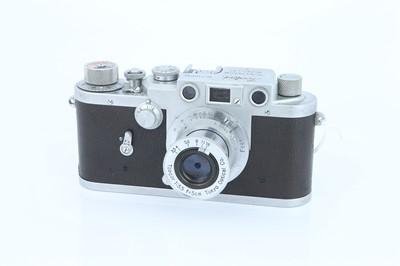 Lot 29 - A Leotax T Rangefinder Camera
