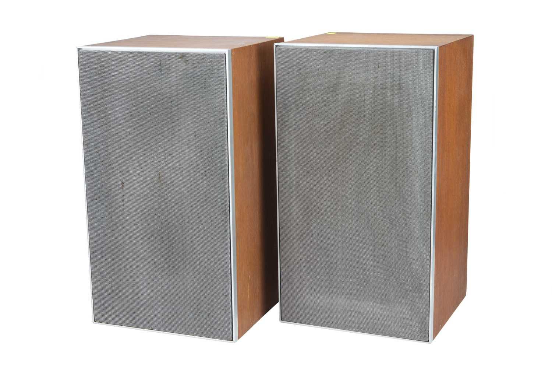 Lot 50 - Pair of Vintage Leak Sandwich 300 Speakers