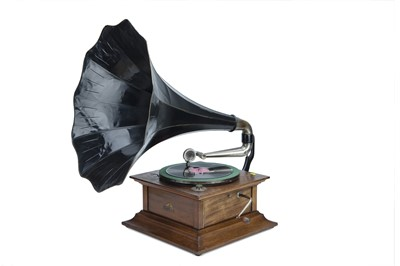 Lot 86 - HMV Horne Gramophone