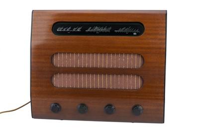 Lot 70 - Murphy Valve Radio