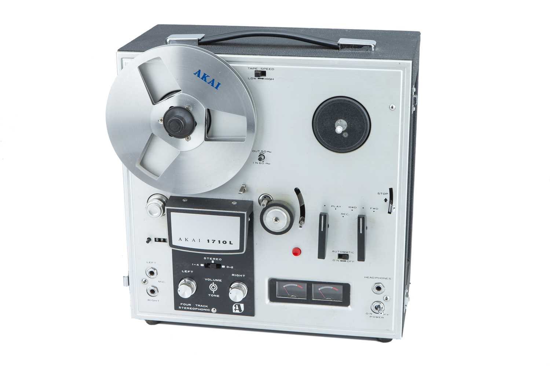 Lot 36 - Akai 1710L reel to reel tape recorder