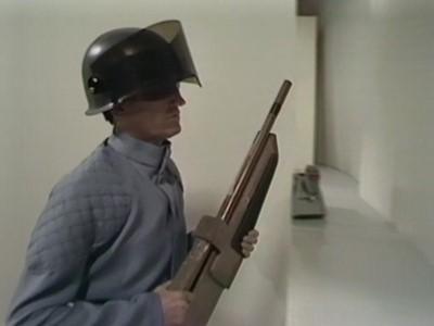 Lot 3 - An Original Doctor Who Prop: A Usurian Weapon